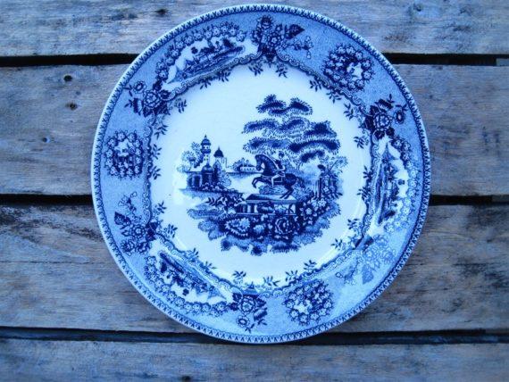 ancienne assiette bleue fleurs