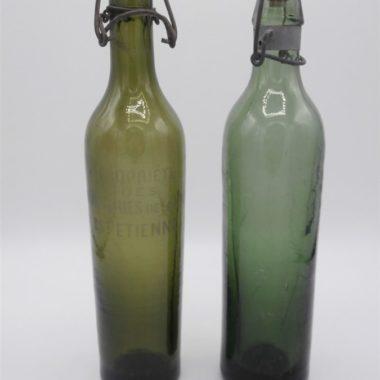 anciennes bouteilles verre vert bouchon porcelaine