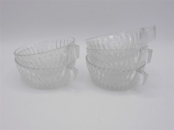 anciennes tasses verre
