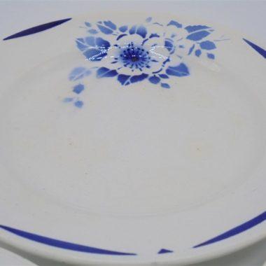 assiettes anciennes fleur bleue