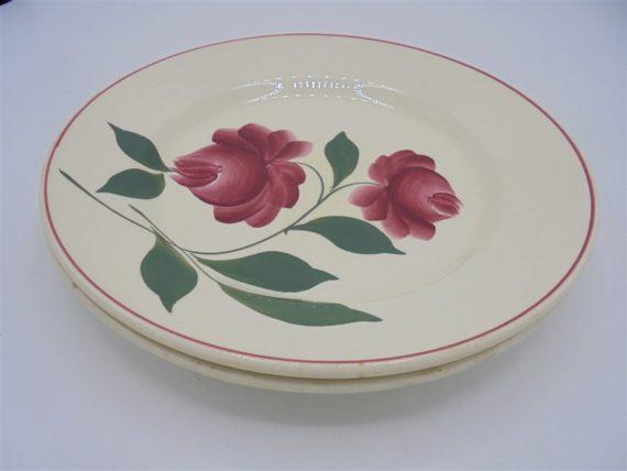 assiettes fleurs roses