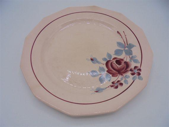 anciennes assiettes decor floral