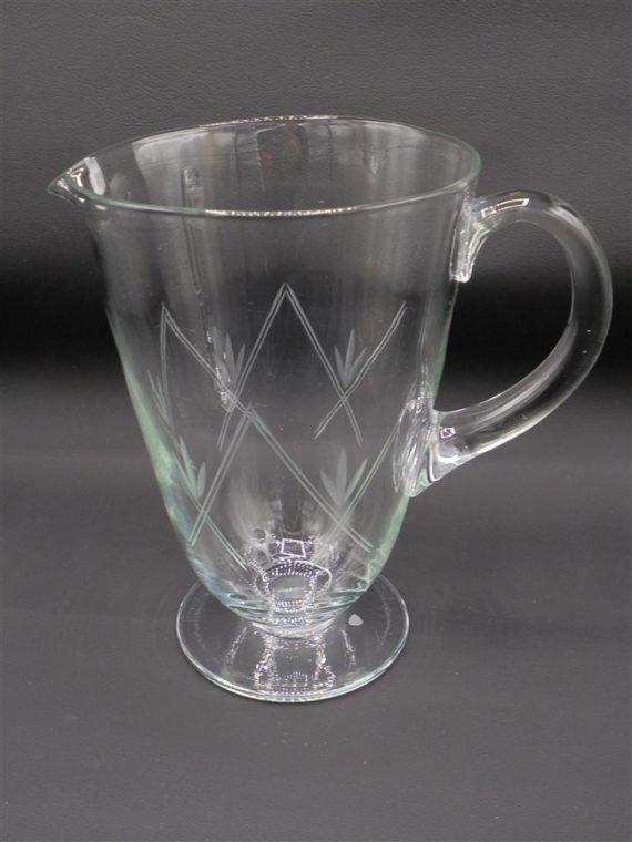 pot a eau pichet verre cisele ancien