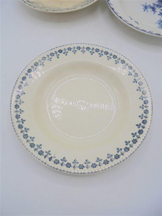 anciennes assiettes bleu creuse soupe