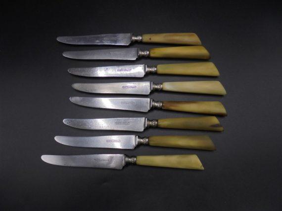 anciens couteaux lames acier manche os mitre argent
