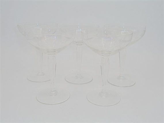 5 coupes champagne verre taille roses stylisees