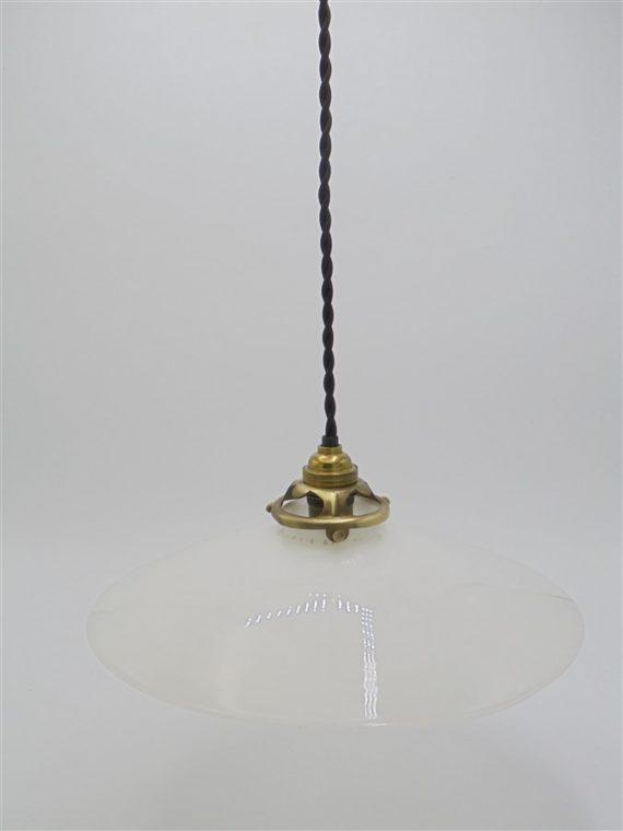 suspension luminaire ancien opaline blanche
