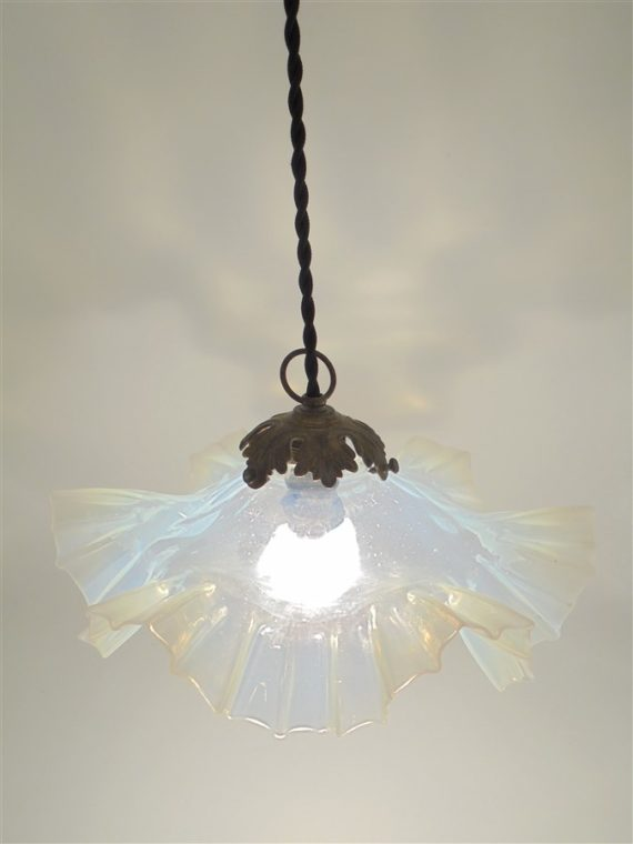 suspension luminaire ancien opaline transparente