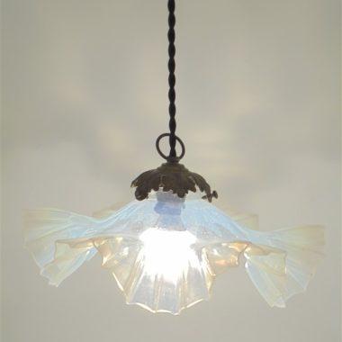 suspension luminaire ancien opaline transparente