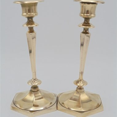 anciens chandeliers en laiton dore
