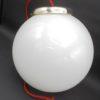suspension vintage globe en opaline blanche luminaire ancien
