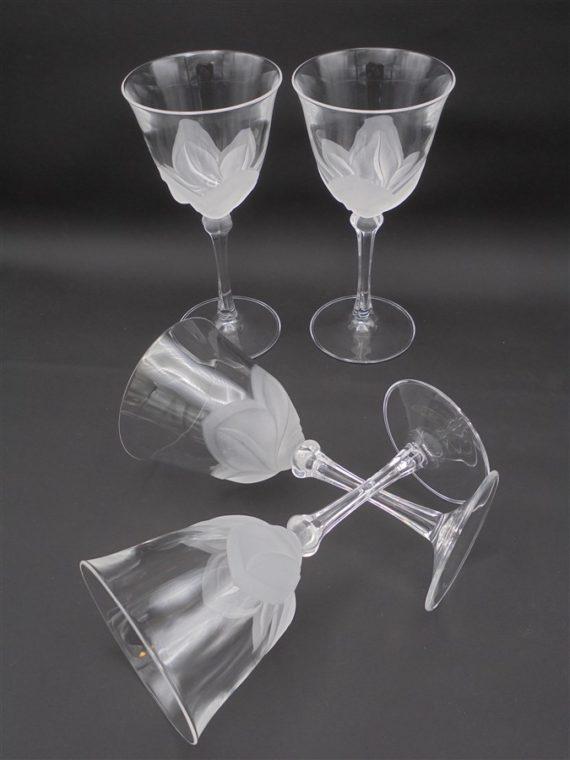 verres a pied en cristal decor floral vegetal