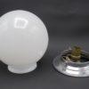 globe art deco opaline blanche socle metal chrome