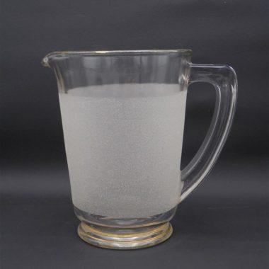 ancien pichet vintage en verre granite blanc et liseres dores carafe