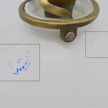 ancienne suspension en opaline blanche