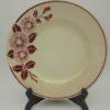 anciennes assiettes fleurs roses bordeaux