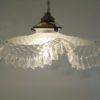 ancienne suspension luminaire vintage verre ondule