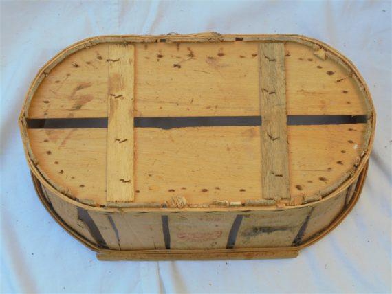 ancienne cagette caisse caissette panier e fruits legumes en bois