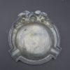 ancien cendrier aux roses en etain decor sacre coeur sous verre