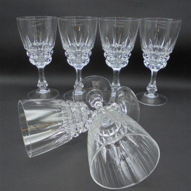 anciens verres a pied en cristal