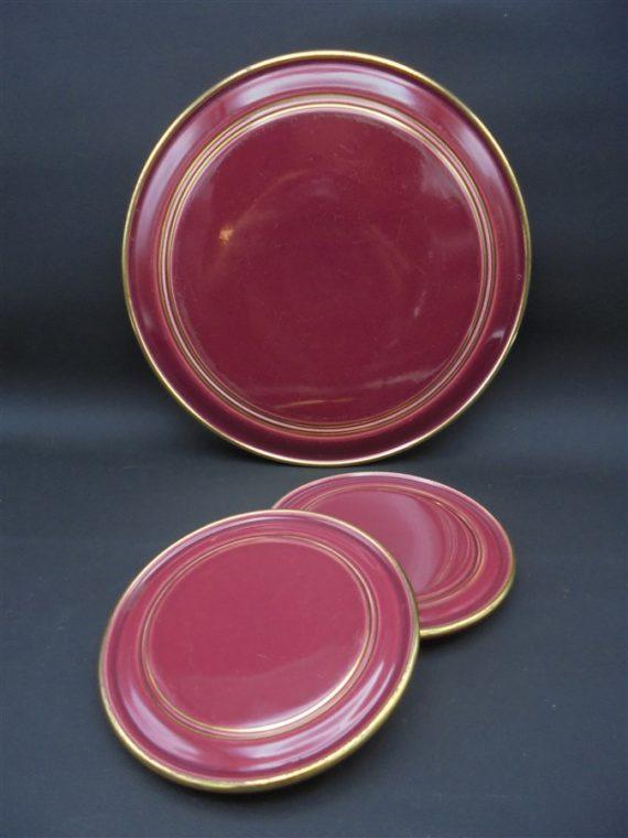 dessous de plat art deco ceramique bordeaux lie de vin et 2 dessous de bouteilles liseres dores