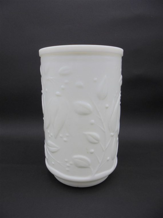 bocaux pots anciens verre opale blanc toilette apothicaire decor vegetal