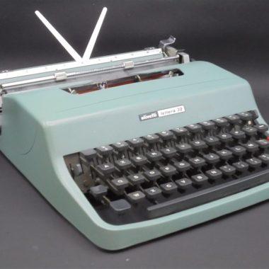 machine a ecrire vintage olivetti lettera 32 metal bleu gris