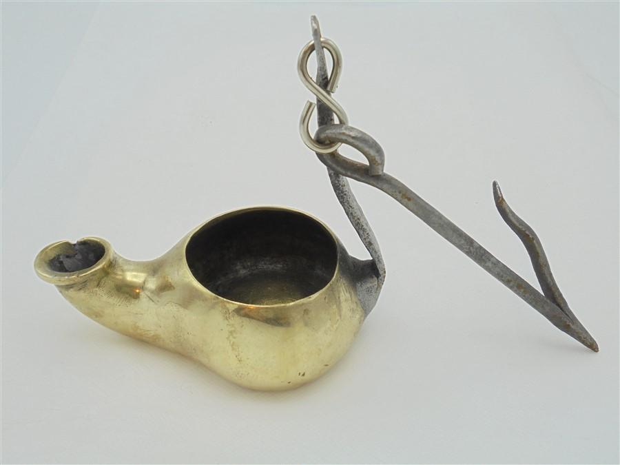 Ancienne lampe à huile en laiton – Sélection brocante