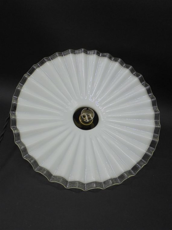 ancienne suspension opaline plissee ombrelle ondulee blanche