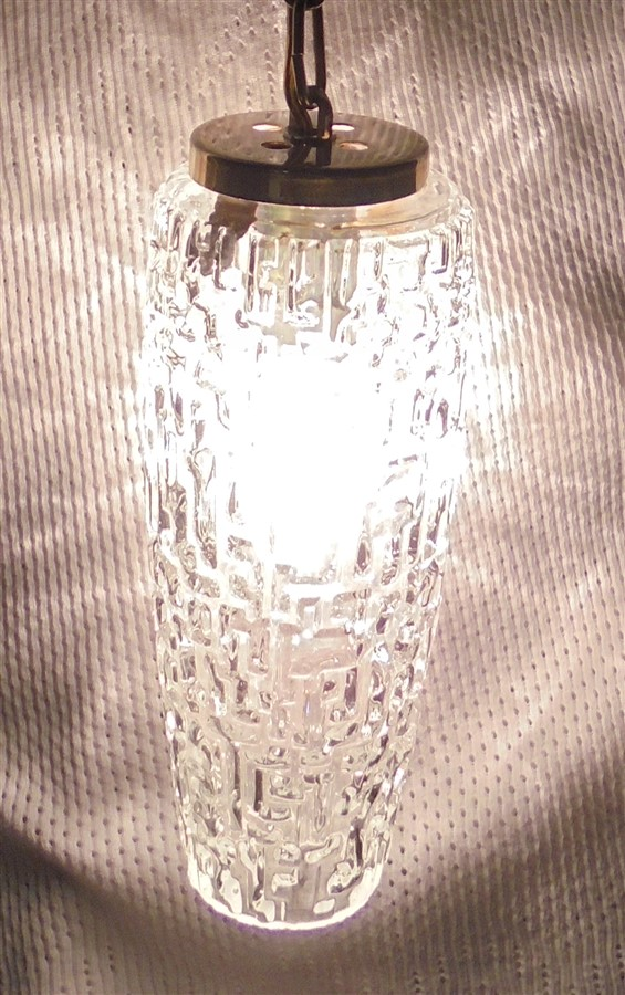 ancienne suspension vintage retro chic verre allonge chainette doree luminaire brocante