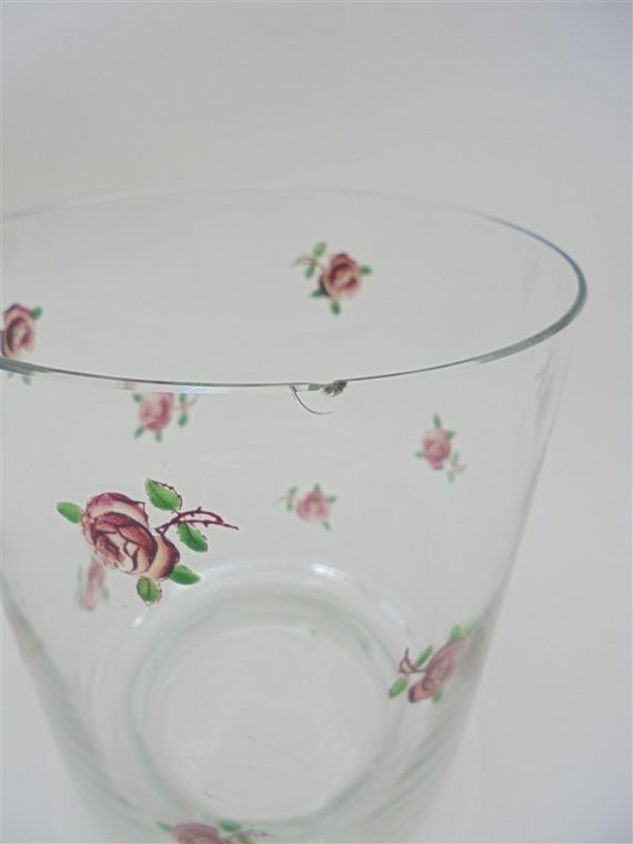 ancien pot biscuits sucre bonbons en verre ou cristal decor roses couvercle avec passage pour cuillere