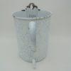 ancien pot emaille fontaine blanc bleu nuageux