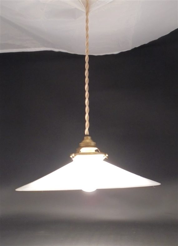 lampe luminaire suspension ancienne opaline blanche selection brocante