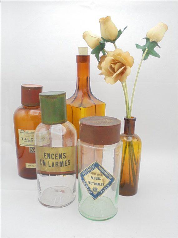 anciens flacons pharmaceutiques apothicaire fleurs pectorales encens en larmes