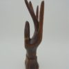 main baguier en bois