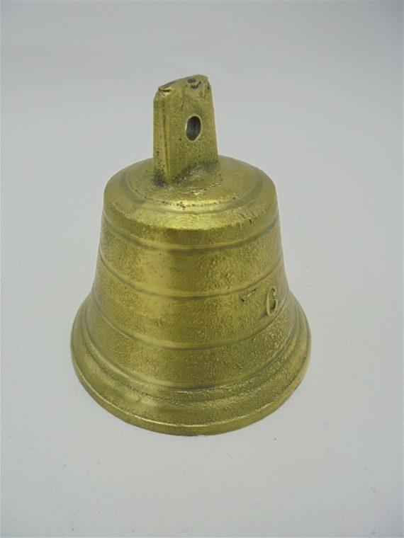 petite cloche en bronze numerotee 6
