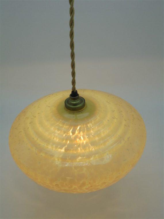 ancienne suspension art deco en verre mouchete de clichy couleur creme