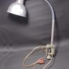 ancienne lampe d atelier fixation etau