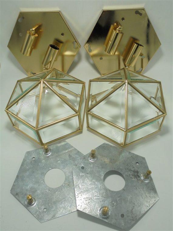 duo d appliques ou plafonniers luxueux italiens en metal dore laiton et verres biseautes