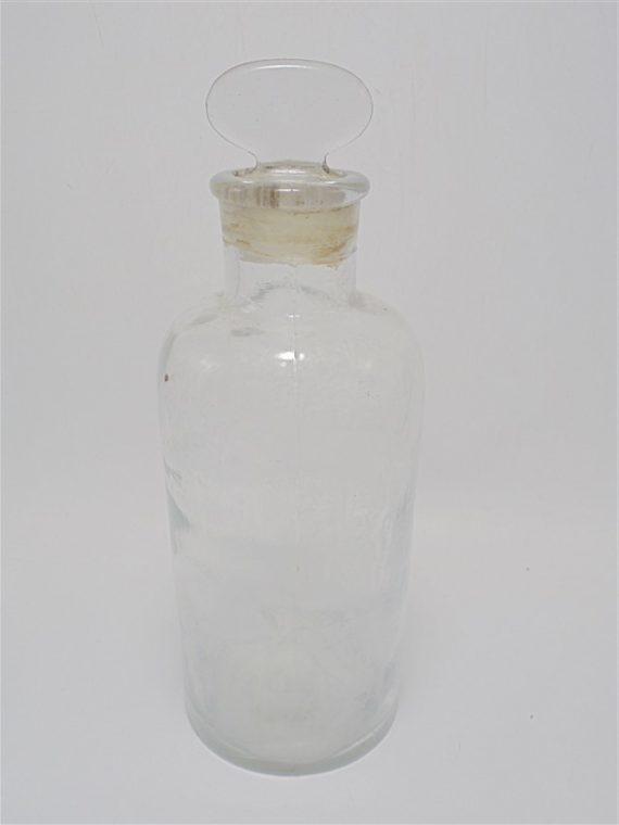 ancien flacon apothicaire pharmacie verre transparent