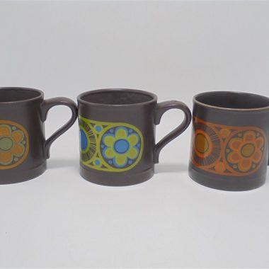 mugs vintage seventies flower ceramique marron decor floral orange vert made in england staffordshire potteries ltd