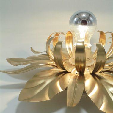 plafonnier ou applique murale fleur en metal doree