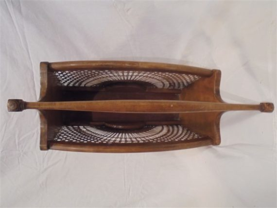 porte revues en bois et cannage vintage